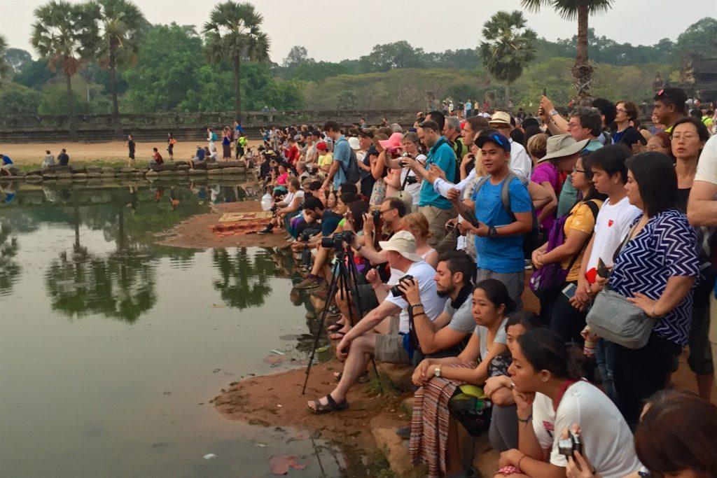 foule lever de soleil - Cambodge blog voyage