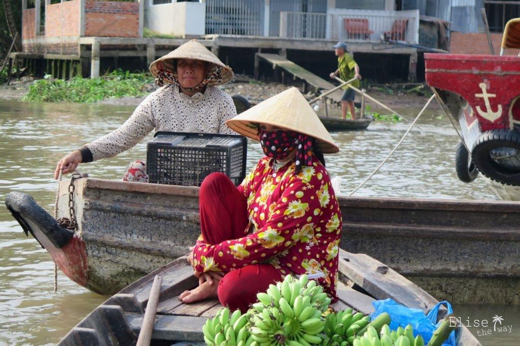 Femme-ninja marché flottant Phong Dien Can Tho Delta Mekong Vietnam blog voyage 2016 28