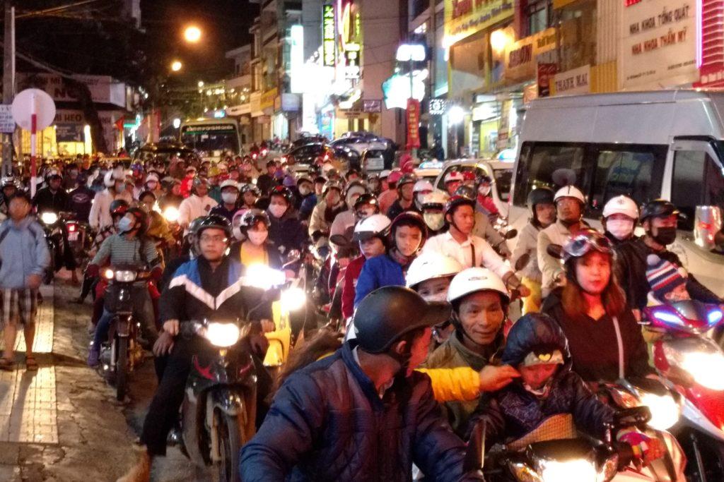 Embouteillages Dalat Vietnam blog voyage 2016 15