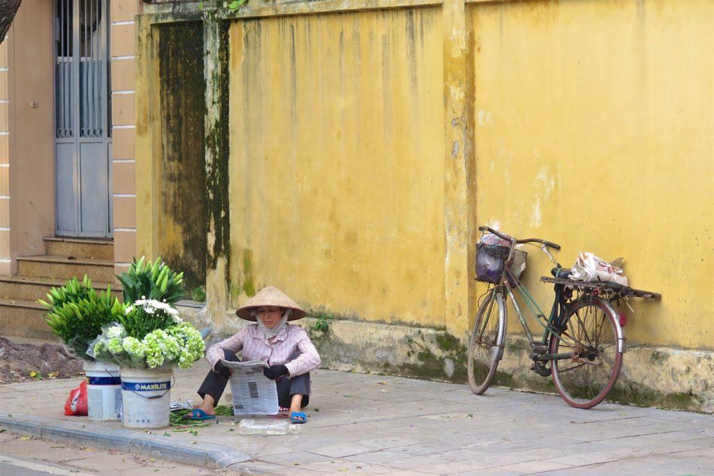Vendeuse de rue Hanoi Vietnam blog voyage 2016 9