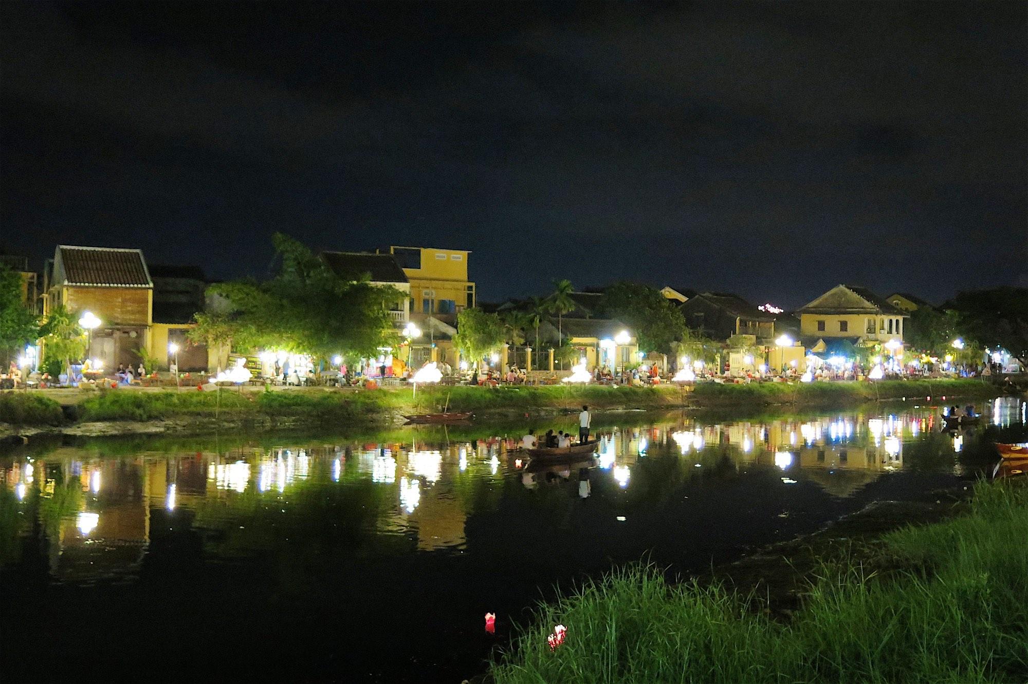 Hoi an une histoire de lampions et de vieilles pierres for Acheter une maison au vietnam