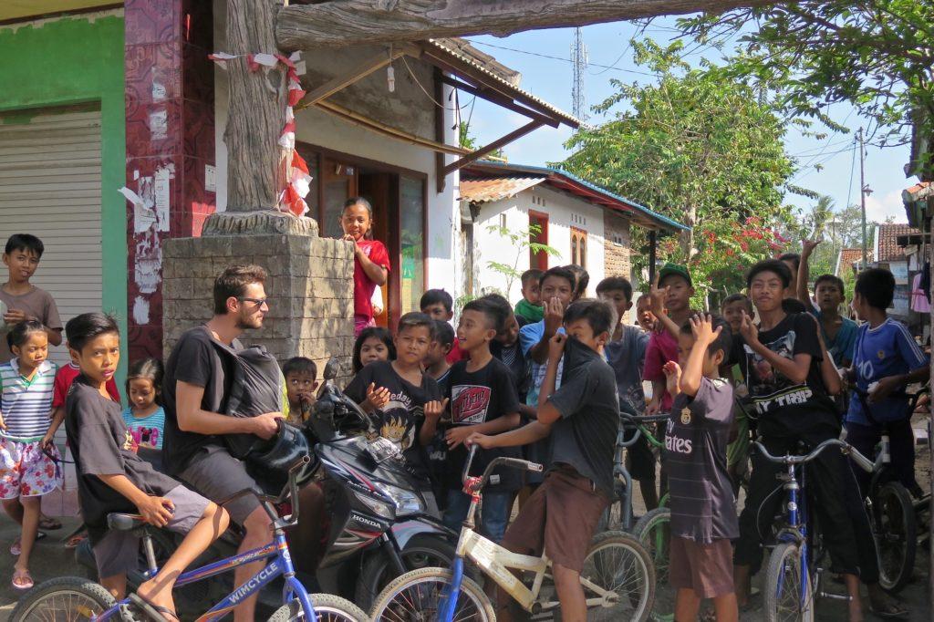 Enfants senggigi-lombok-indonesie-blog-voyage-2016-35