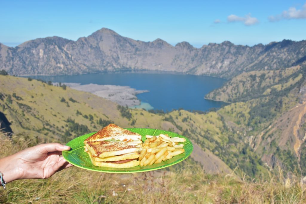 Club sandwich trek-rinjani-lombok-indonesie-blog-voyage-2016-27