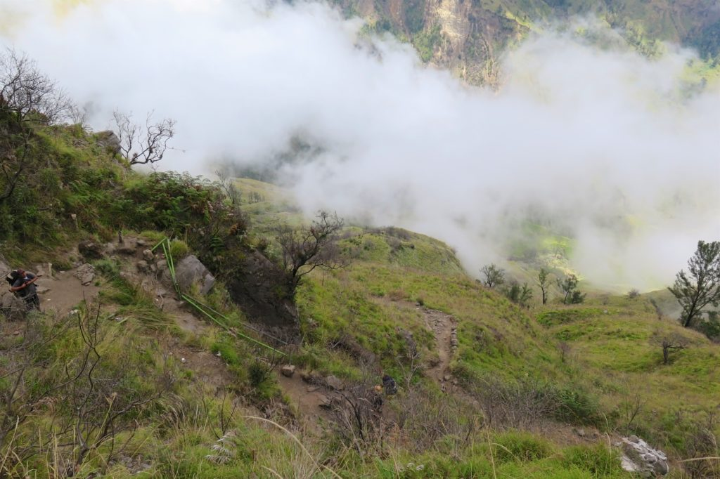 Descente lac trek-rinjani-lombok-indonesie-blog-voyage-2016-29