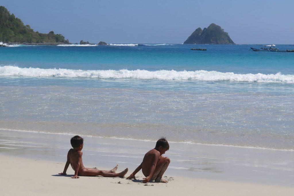 Enfants Belanak Selong plages-kuta-lombok-indonesie-blog-voyage-2016-35