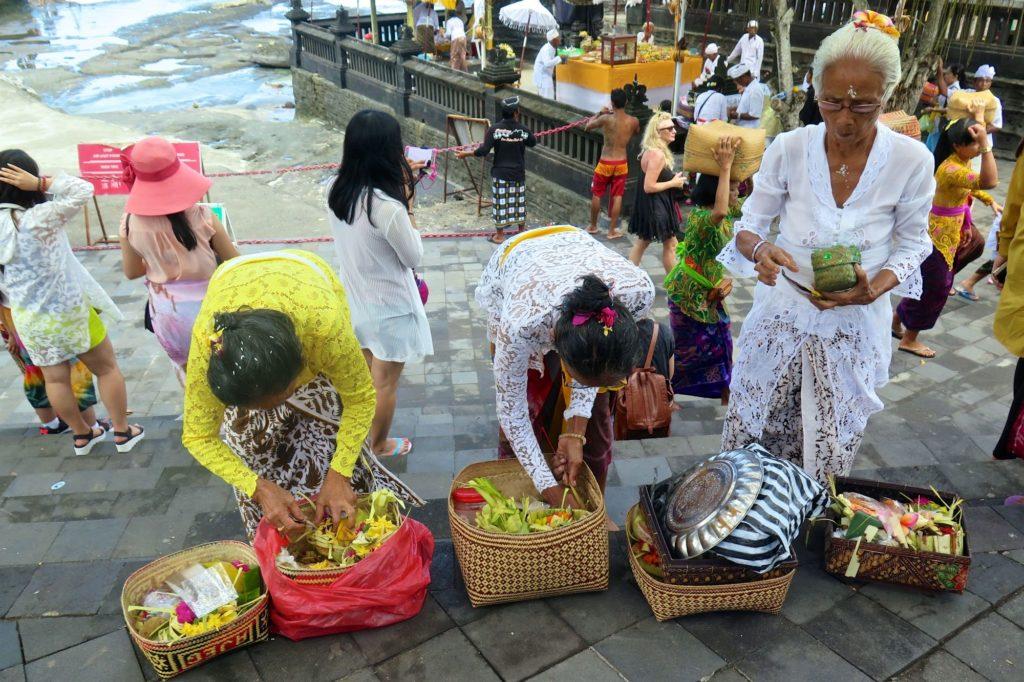 Offrandes tanahlot-kuta-bali-indonesie-blog-voyage-2016-10
