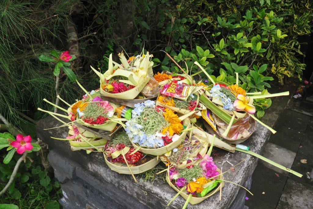 Offrandes tanahlot-kuta-bali-indonesie-blog-voyage-2016-6