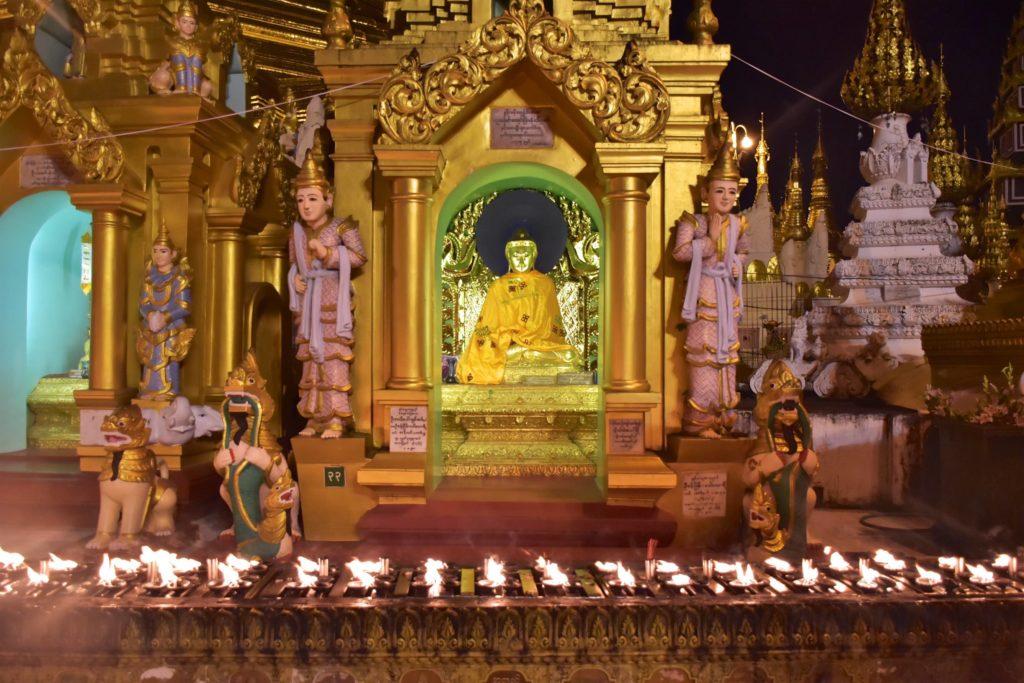 Bougies Shwedagon Yangon-Myanmar-Birmanie-blog-voyage-2016 48