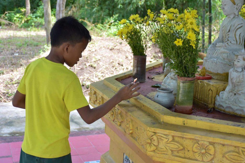 Jeune temple Lac-Inle-Myanmar-blog-voyage-2016 15