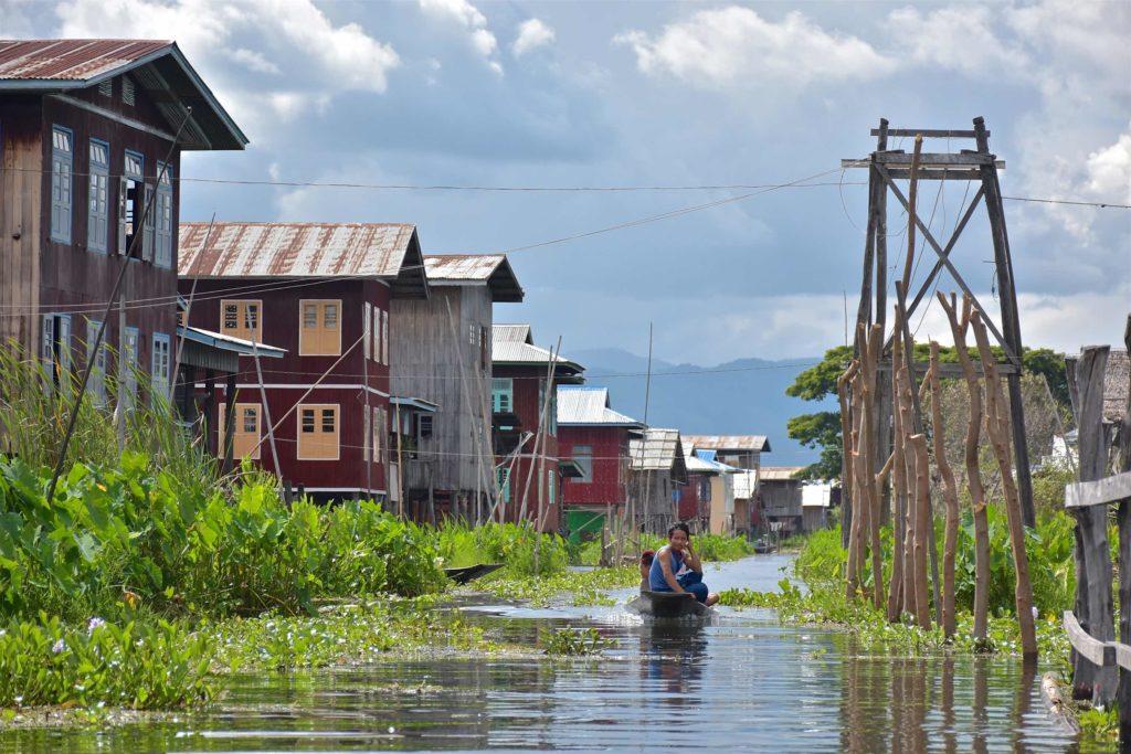 Village pilotis Lac-Inle-Myanmar-blog-voyage-2016 62