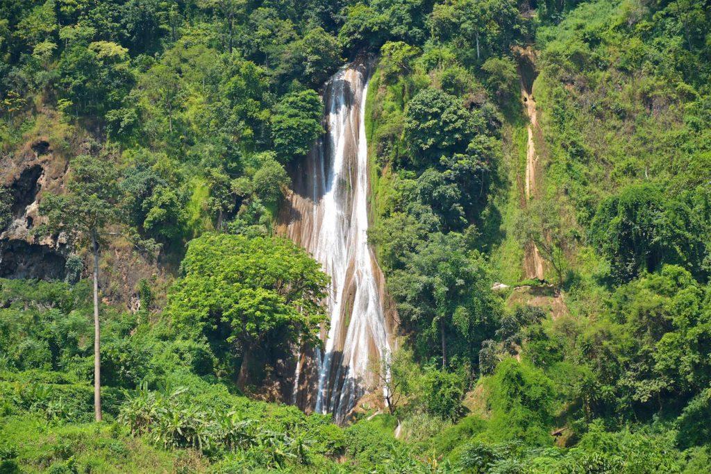 Cascade Nam Tuk Hsipaw Myanmar blog voyage 2016 41