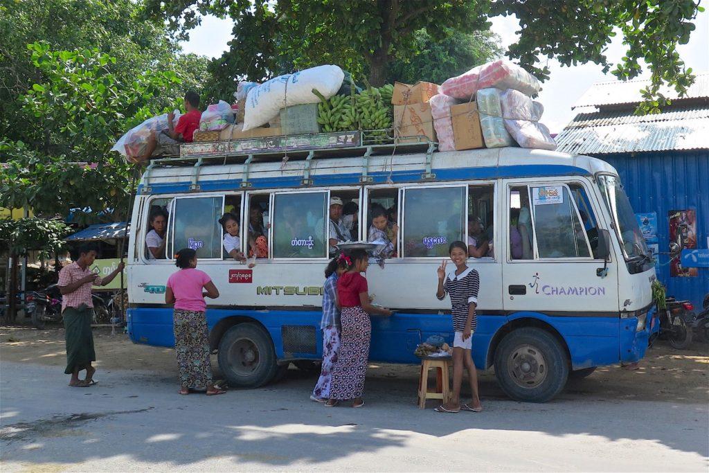 Bus local Mandalay-Inwa-Ubein-Myanmar-Birmanie-blog-voyage-2016 39