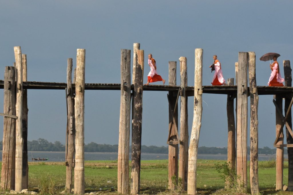 Nonnes U-bein Mandalay-Inwa-Ubein-Myanmar-Birmanie-blog-voyage-2016 63
