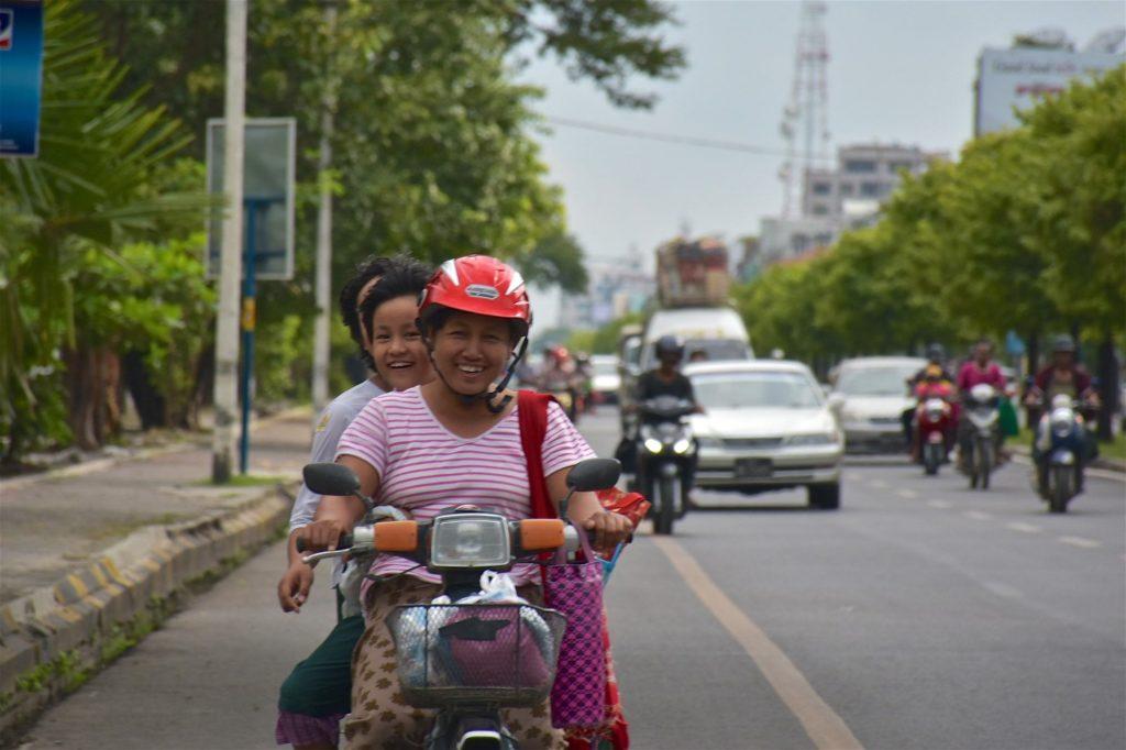 Moto Mandalay-Inwa-Ubein-Myanmar-Birmanie-blog-voyage-2016 9