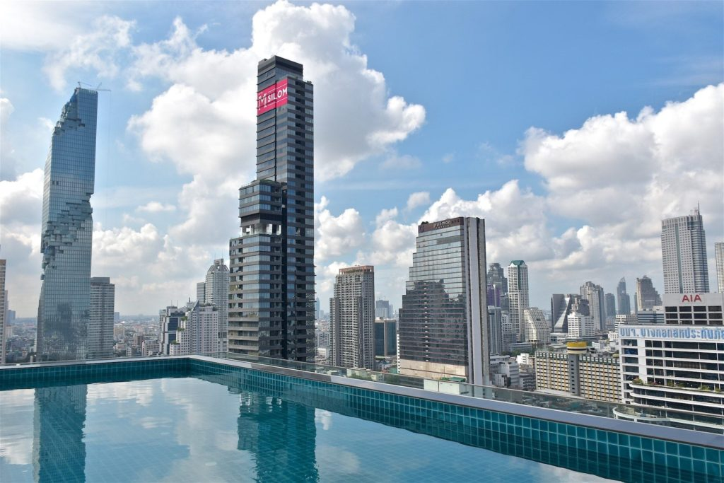 Piscine debordement Amara Bangkok-fin-voyage-blog-voyage-2016 17